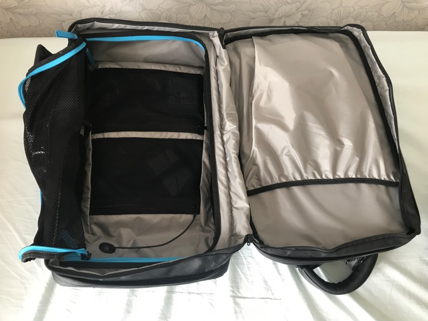 Main clothing compartments
